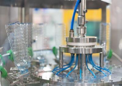 montaje-industrial-maquina-automatica-embasado-embotellado